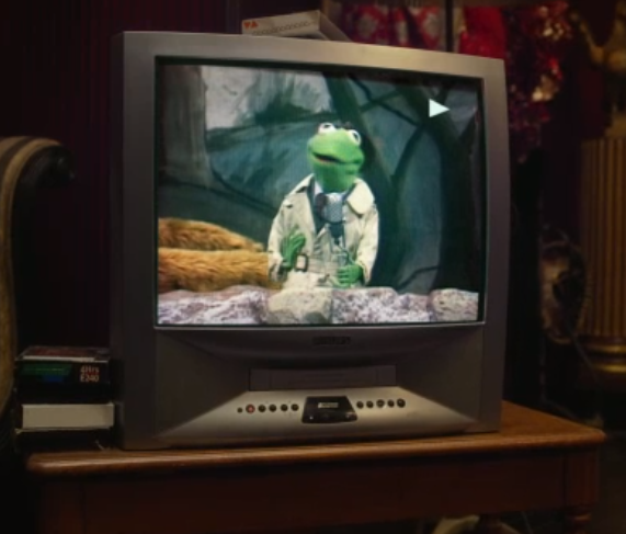 MMW trailer Kermit on TV