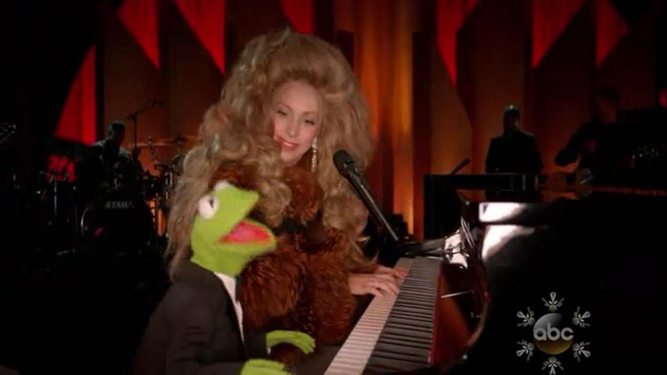 Lady Gaga Show Kermit Gaga