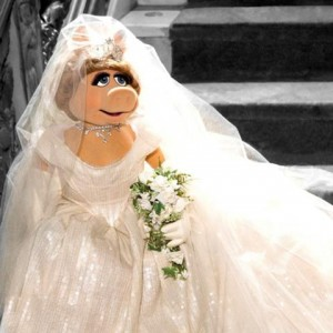 480px-Piggy_wedding_Muppets_Most_Wanted