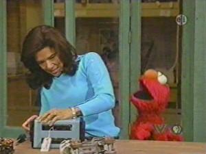 4117 Jelmo watches Maria fix toaster