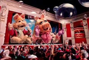 MuppetVision-3D-Bean-Miss-Piggy